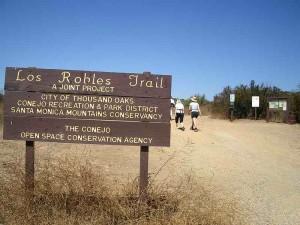 01-los-robles-trailhead
