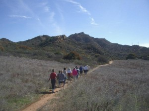 LR-oakbrook-vista-group-hike